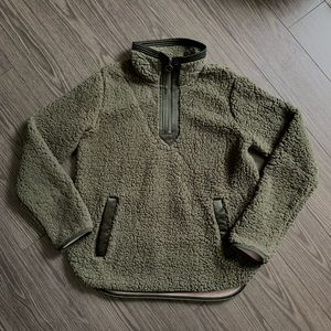 A&F Sherpa Pullover